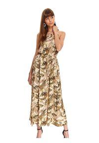 TOP SECRET - Długa sukienka na ramiączkach w tropikalny print. Okazja: na co dzień. Kolor: zielony. Materiał: tkanina. Długość rękawa: na ramiączkach. Wzór: nadruk. Typ sukienki: proste. Styl: casual. Długość: maxi
