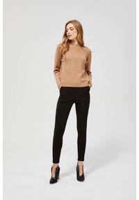 MOODO - Spodnie rurki z elastyczną talią. Stan: podwyższony. Materiał: poliester, guma, elastan. Długość: długie. Wzór: gładki