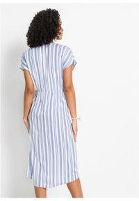 Sukienka z nadrukiem bonprix jasnoniebiesko-biały w paski. Kolor: fioletowy. Wzór: paski, nadruk