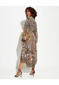 Camilla - CAMILLA - Sukienka maxi Cathedral. Kolor: brązowy. Materiał: jedwab. Wzór: kwiaty, aplikacja, nadruk. Typ sukienki: asymetryczne. Długość: maxi