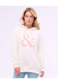 PAPROCKI&BRZOZOWSKI - Kremowa bluza z różowym logo. Kolor: biały. Materiał: materiał. Wzór: aplikacja, nadruk