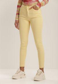 Żółte spodnie skinny Renee