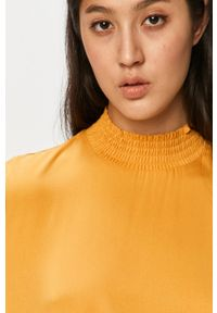Żółta bluzka Vila ze stójką, na co dzień