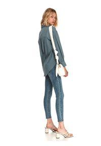 TOP SECRET - Luźna koszula z tkaniny plumetti. Kolor: zielony. Materiał: tkanina