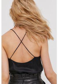Czarna bluzka Answear Lab wakacyjna, na ramiączkach, na urodziny, ze splotem