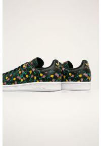 Wielokolorowe buty sportowe adidas Originals z okrągłym noskiem, na sznurówki, z cholewką