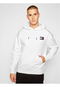 Tommy Jeans Bluza Tjm Badge Hoddie DM0DM06593 Biały Regular Fit. Kolor: biały