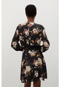 mango - Mango - Sukienka Best. Kolor: czarny. Materiał: tkanina. Długość rękawa: długi rękaw. Typ sukienki: rozkloszowane