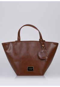 Torebka damska Monnari shopper z saszetką brązowa. Kolor: brązowy. Rozmiar: małe. Styl: klasyczny