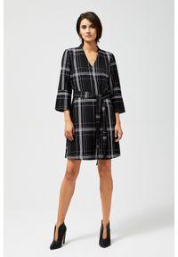 MOODO - Sukienka w geometryczne wzory. Materiał: bawełna, poliester, elastan. Wzór: geometria