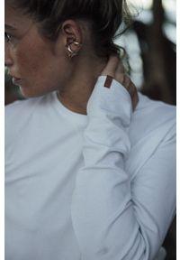 MUUV. - Longsleeve Basic Texture. Okazja: na co dzień. Kolor: biały. Materiał: skóra, materiał. Długość rękawa: długi rękaw. Wzór: ze splotem. Styl: casual