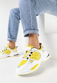 Born2be - Biało-Żółte Sneakersy Elrinvia. Wysokość cholewki: przed kostkę. Nosek buta: okrągły. Kolor: biały. Materiał: jeans, materiał. Szerokość cholewki: normalna. Wzór: napisy, aplikacja