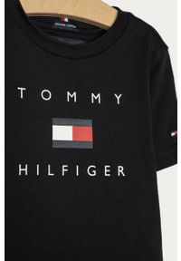 Czarny t-shirt TOMMY HILFIGER na co dzień, z nadrukiem, casualowy
