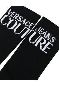 Versace Jeans Couture - VERSACE JEANS COUTURE - Czarne skarpety z logo. Kolor: czarny