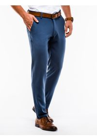 Ombre Clothing - Spodnie męskie chino P832 - niebieskie - L. Kolor: niebieski. Materiał: elastan, wiskoza, tkanina, poliester. Styl: elegancki, klasyczny