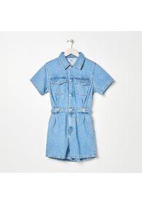 Sinsay - Kombinezon jeansowy - Niebieski. Kolor: niebieski. Materiał: jeans