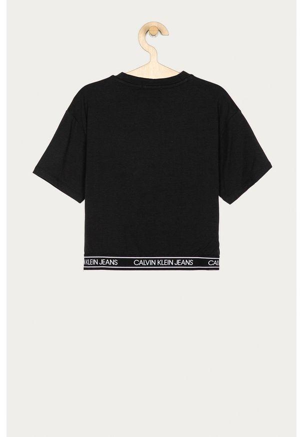 Czarna bluzka z krótkim rękawem Calvin Klein Jeans z aplikacjami, z okrągłym kołnierzem