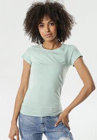 Miętowy t-shirt Born2be