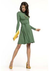 Tessita - Zielona Rozkloszowana Sukienka z Golfikiem. Kolor: zielony. Materiał: wiskoza, elastan, akryl