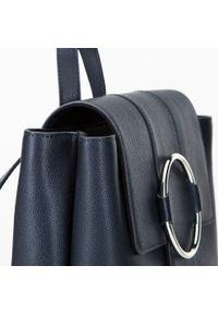Wittchen - Damski skórzany plecak z metalowym kółkiem. Kolor: niebieski. Materiał: skóra. Wzór: haft, paski. Styl: klasyczny, elegancki #5