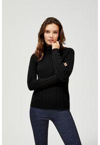 MOODO - Prążkowany sweter. Materiał: prążkowany. Długość rękawa: długi rękaw. Długość: długie