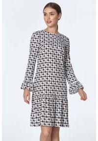 Nife - Trapezowa sukienka z falbaną we wzór pepitki. Okazja: do pracy. Materiał: skóra. Typ sukienki: trapezowe
