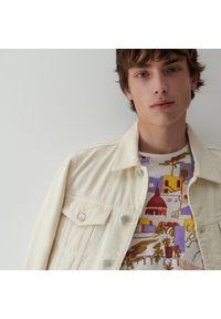 Reserved - T-shirt z nadrukiem - Kremowy. Kolor: kremowy. Wzór: nadruk