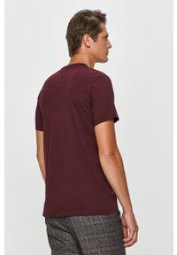 Fioletowy t-shirt Pepe Jeans z nadrukiem, z okrągłym kołnierzem