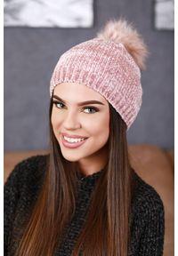 Różowa czapka IVET na zimę