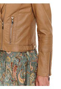 TOP SECRET - Ramoneska z eko skóry. Kolor: beżowy. Materiał: skóra ekologiczna. Długość rękawa: długi rękaw. Długość: krótkie. Sezon: jesień. Styl: elegancki
