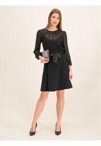 iBlues Sukienka koktajlowa 72261796 Czarny Regular Fit. Kolor: czarny. Styl: wizytowy #5
