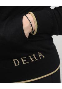Deha - DEHA - Czarna bluza z kapturem. Okazja: na co dzień. Typ kołnierza: kaptur. Kolor: czarny. Materiał: dzianina, bawełna. Wzór: aplikacja. Styl: klasyczny, sportowy, casual
