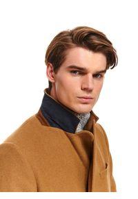 TOP SECRET - Klasyczny płaszcz dwurzędowy z wełnianej tkaniny. Materiał: wełna, tkanina. Sezon: zima. Styl: klasyczny