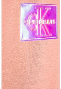 Różowa bluza Calvin Klein Jeans na co dzień, casualowa, z kapturem