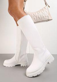 Renee - Białe Kozaki Solynore. Wysokość cholewki: przed kolano. Zapięcie: zamek. Kolor: biały. Szerokość cholewki: normalna