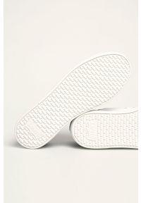 Niebieskie sneakersy Levi's® na sznurówki, na spotkanie biznesowe