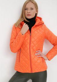 Born2be - Pomarańczowa Kurtka Kephis. Okazja: na co dzień. Kolor: pomarańczowy. Materiał: tkanina. Długość: krótkie. Wzór: aplikacja. Styl: casual