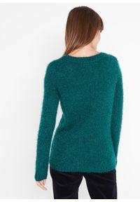 Sweter bożonarodzeniowy z motywem renifera z cekinami bonprix Sweter bożonar gł.ziel. Kolor: zielony. Długość: długie