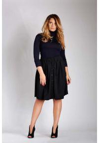 Czarna spódnica rozkloszowana Nommo plus size