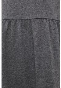 Vero Moda - Sukienka. Okazja: na co dzień. Typ kołnierza: kaptur. Kolor: szary. Materiał: bawełna, dzianina, materiał. Długość rękawa: długi rękaw. Wzór: gładki. Typ sukienki: proste. Styl: casual