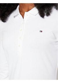TOMMY HILFIGER - Tommy Hilfiger Polo Heritage WW0WW24972 Biały Slim Fit. Typ kołnierza: polo. Kolor: biały