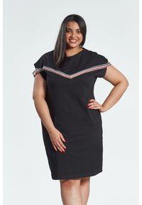 Czarna sukienka dla puszystych Moda Size Plus Iwanek z krótkim rękawem, plus size, w kolorowe wzory, z klasycznym kołnierzykiem