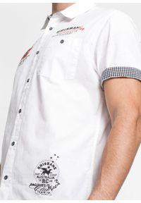 Biała koszula bonprix z krótkim rękawem, krótka, z nadrukiem