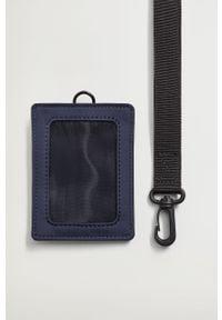 Niebieski portfel Mango Man gładki