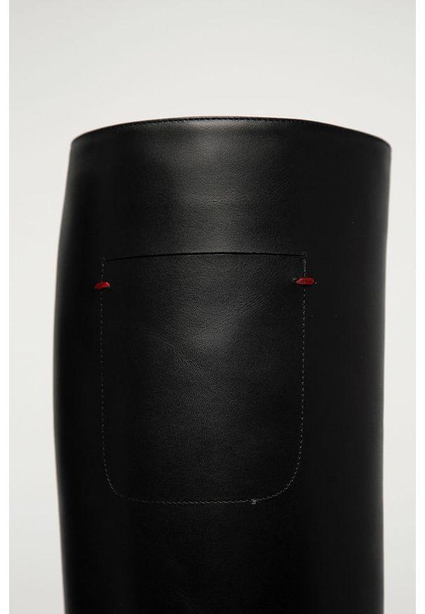 Czarny kozaki Emporio Armani na zamek, z cholewką, z okrągłym noskiem
