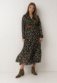 Born2be - Czarna Sukienka Azrael. Kolor: czarny. Długość rękawa: długi rękaw. Wzór: kwiaty, aplikacja, nadruk. Typ sukienki: kopertowe. Długość: maxi