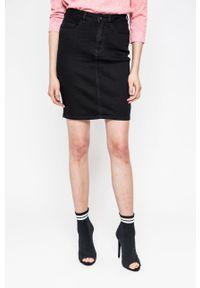 Vero Moda - Spódnica Hot Nine. Kolor: czarny. Materiał: tkanina