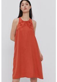 Superdry - Sukienka. Okazja: na co dzień. Kolor: pomarańczowy. Typ sukienki: proste. Styl: casual