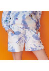 Reserved - Szorty tie-dye z bawełny organicznej - Wielobarwny. Materiał: bawełna