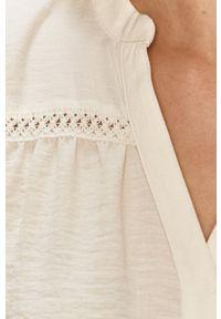 Jacqueline de Yong - Sukienka. Kolor: beżowy. Materiał: tkanina. Długość rękawa: długi rękaw. Wzór: gładki